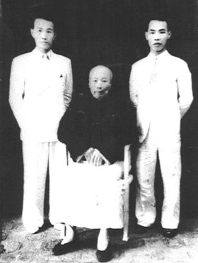 Chan Hon Chung (vpravo) - Lam Sai Wing
