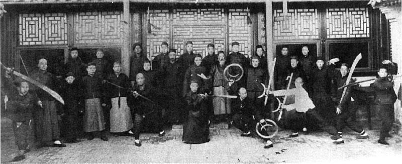 Třetí a čtvrtá generace studentů stylu Baguazhang, Peking 1917